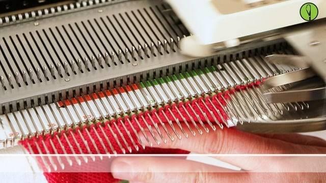 Vorschaubild Offene Maschen an der Strickmaschine zusammenfügen